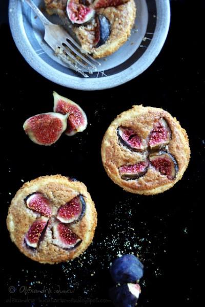 Mini tarte cu smochine proaspete și cremă frangipane