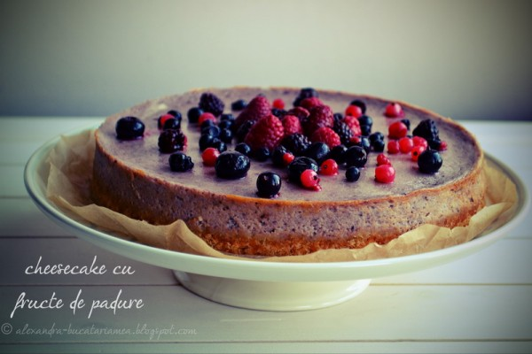 WILD BERRIES CHEESECAKE