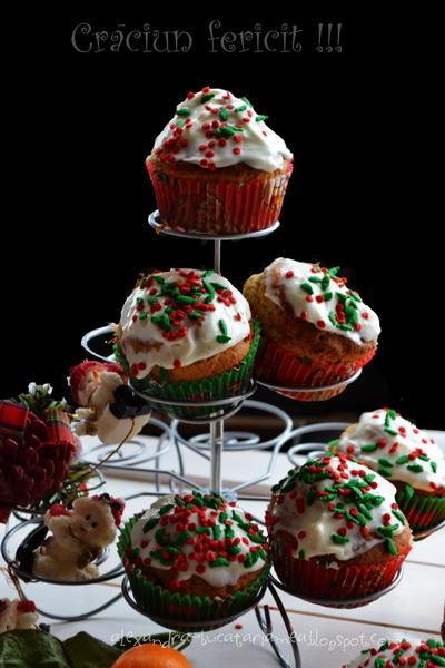 Muffins cu vârf nins pentru dimineața de Crăciun – cu clementine și cranberries