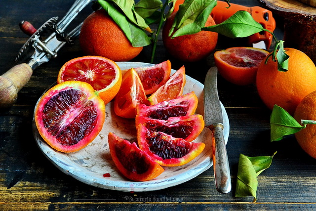 felii portocale rosii
