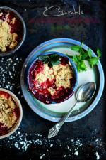 Crumble cu rubarba si fructe de padure – gluten free