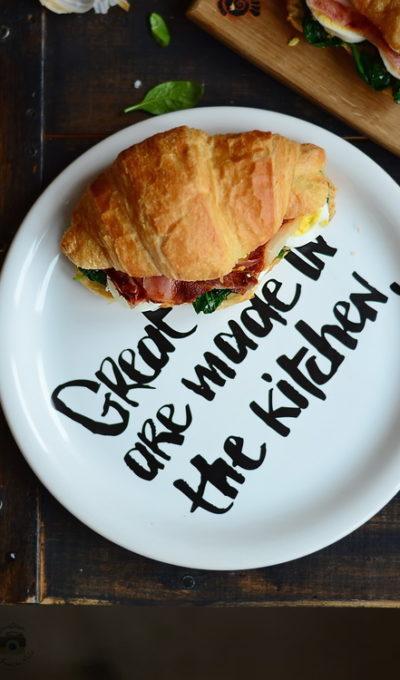 Best Croissant ever …. cu spanac, ou si bacon