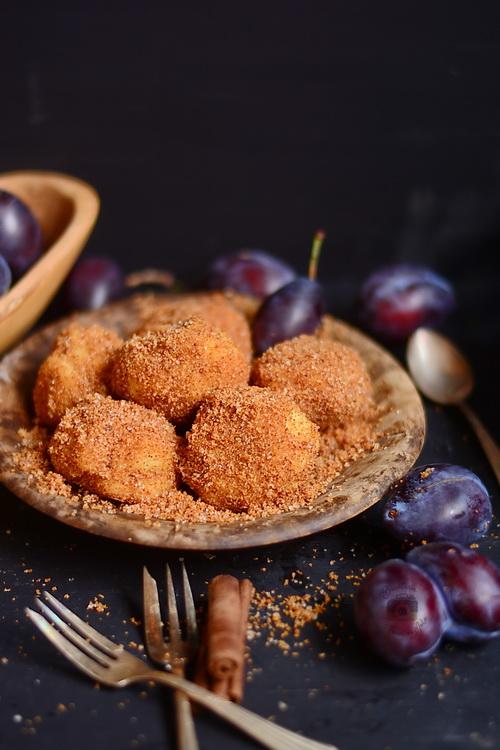 Galuste sau gomboti cu prune, reteta