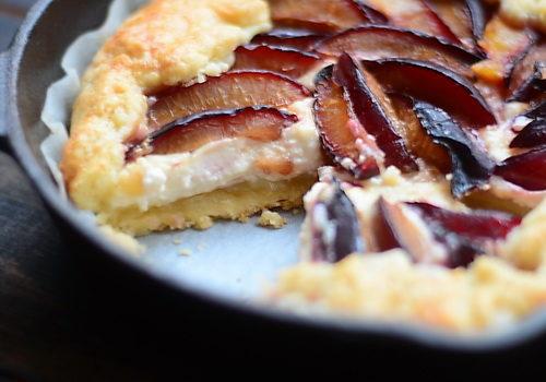 pâte brisée + galette cu prune si mascarpone