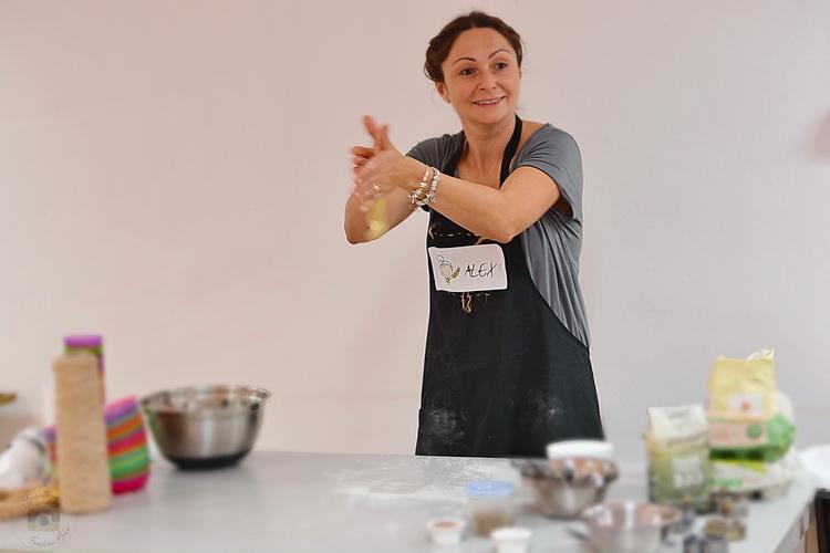 Atelier de gatit Atelier de gatit pentru copii - reteta de covrigei - alex juncu- Bucataria familiei mele