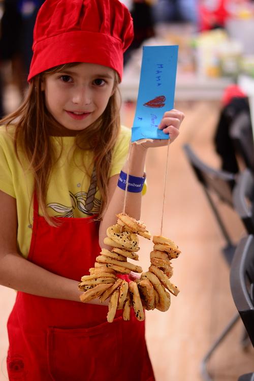Atelier de gatit pentru copii - reteta de covrigei - alex juncu- Bucataria familiei mele