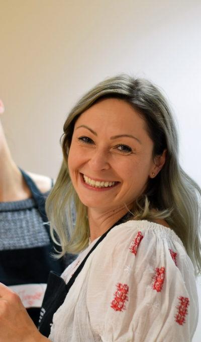 Atelier de gătit dedicat copiilor – prajitura cu morcovi si glazura de crema de branza