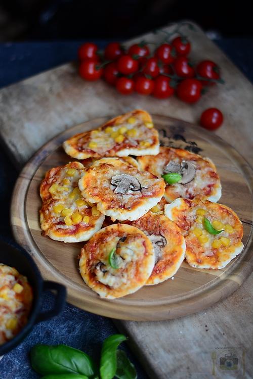 Mini pizza - Bucataria familiei mele -alexjuncu