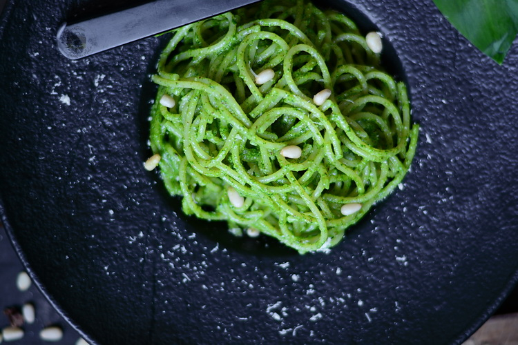 Pesto de leurda - Bucataria familiei mele