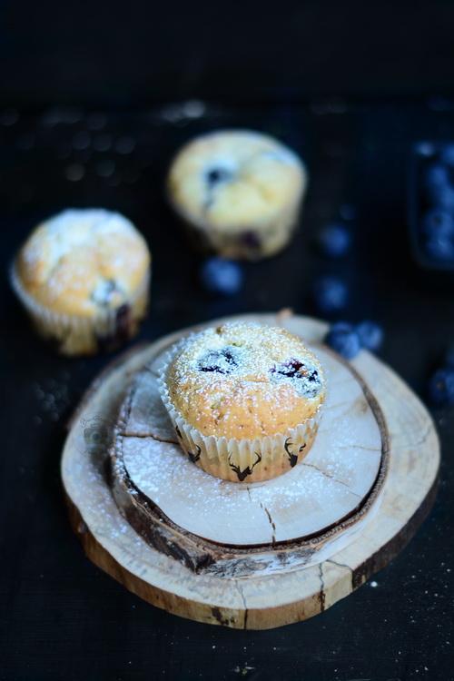 Muffins cu afine si mascarpone