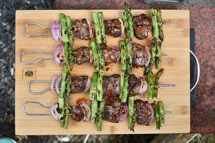 steak kebab cu sparaghel